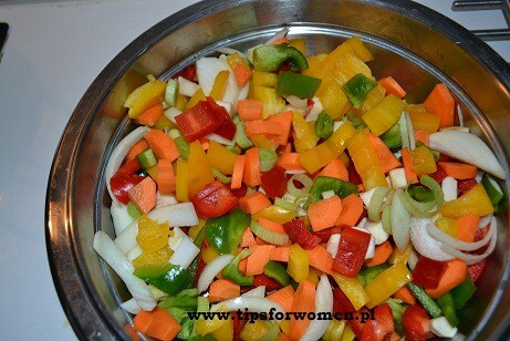 Ryż z curry, kurczakiem i warzywami