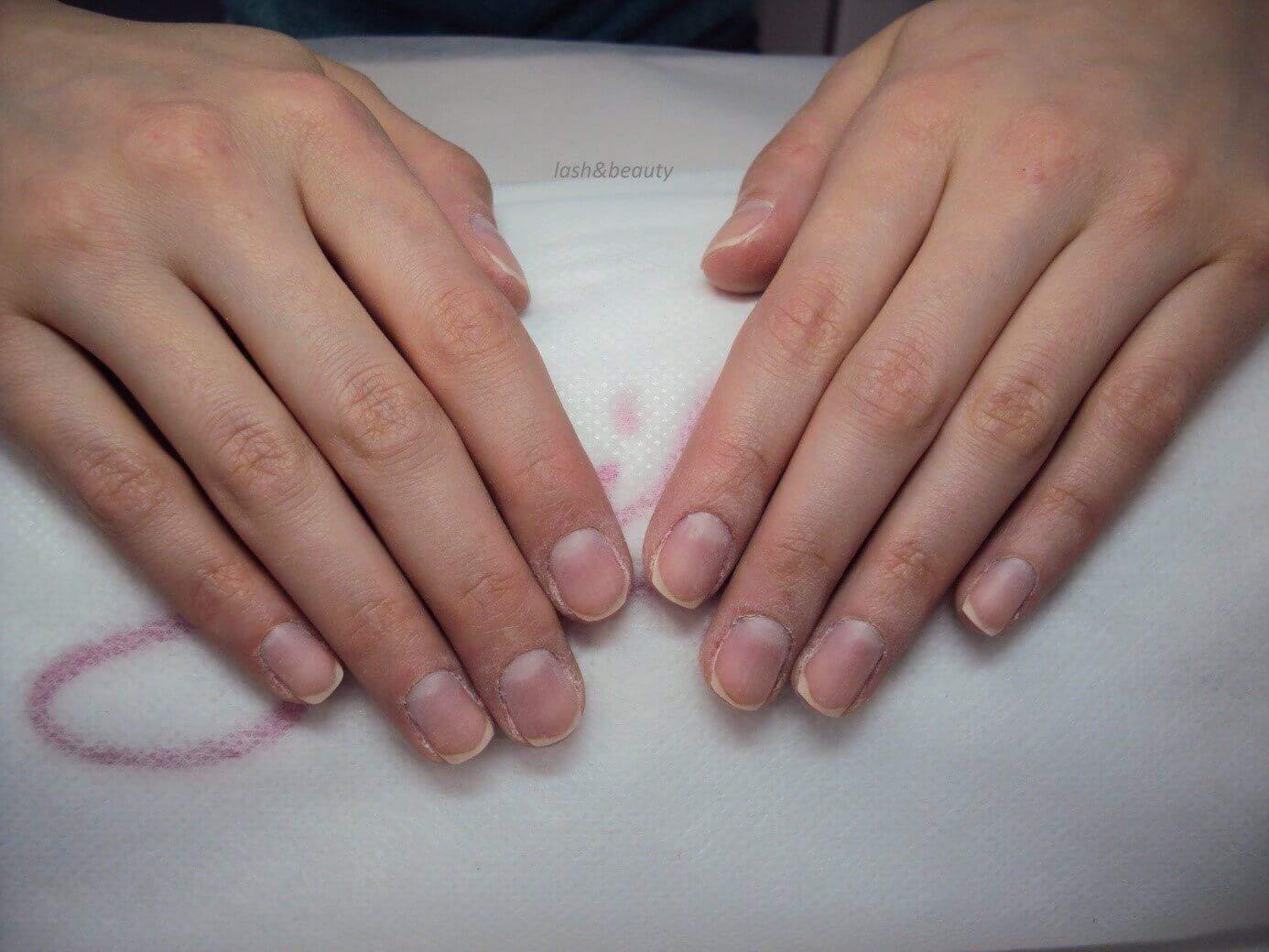 Matowienie paznokci hybrydowych