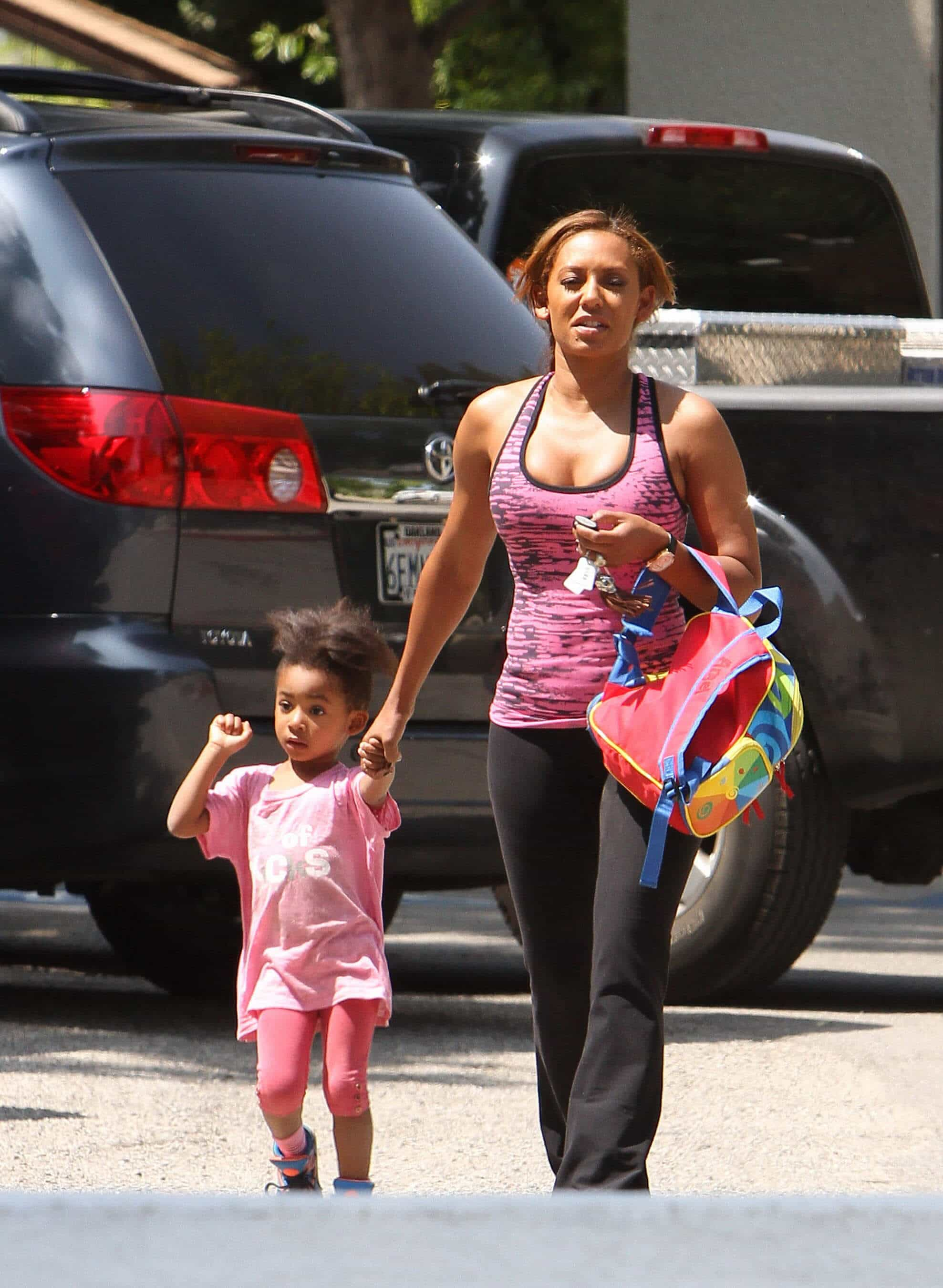 Mel B Picking Up Her Daughter From School