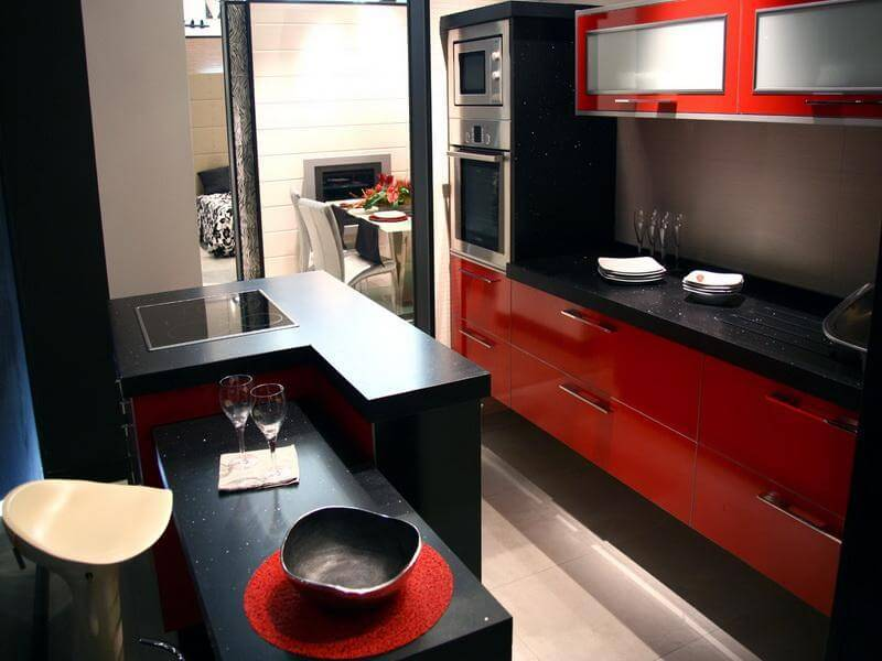 http://fortikur.com/wp-content/uploads/2013/08/Black-and-Red-Kitchen-Design-Tools.jpg