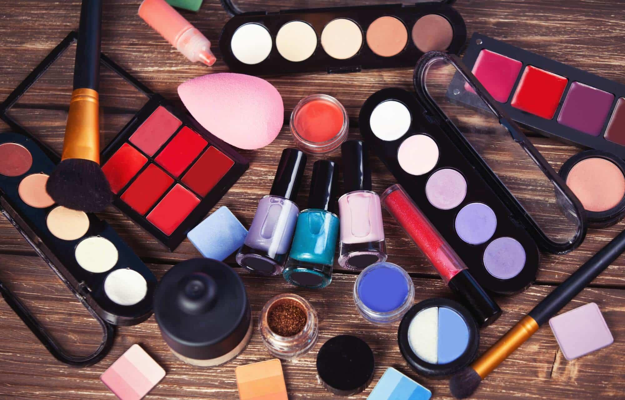 Kolorowe Polskie Kosmetyki Do Makijażu Które Dorównują Kosmetykom